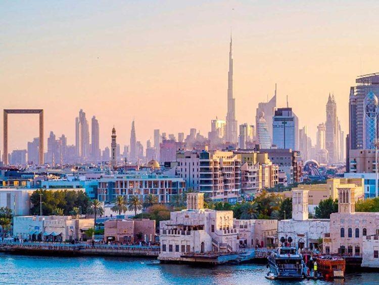 दुबई पुगेका चार युवा अलपत्र !