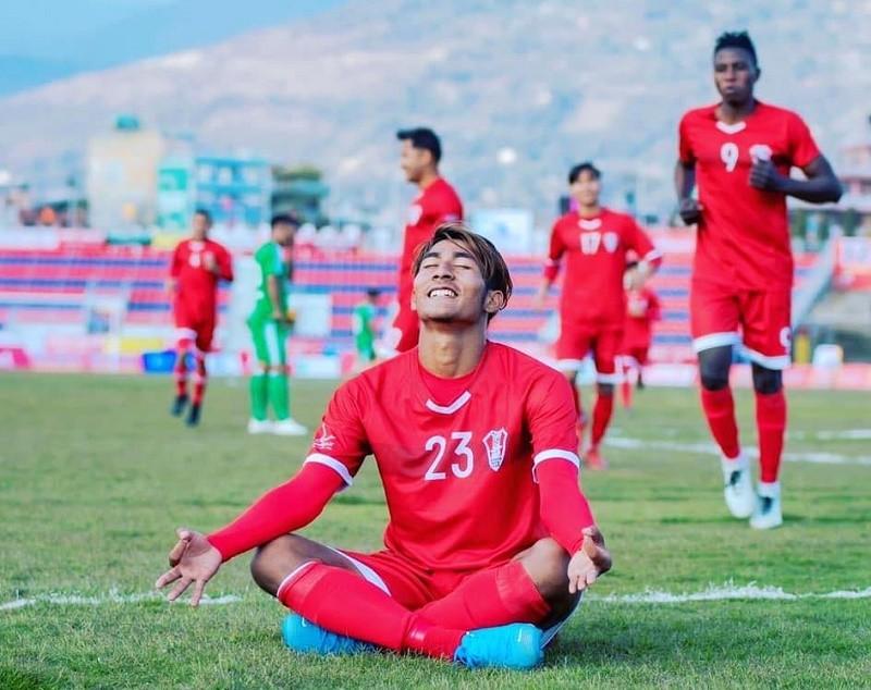 नेपाली फुटबल खेलाडी परियारले भारतीय क्लबबाट खेल्ने