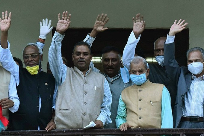 प्रधानमन्त्रीलाई हटाउन कांग्रेस अघि बढ्दा जसपामा मतभेद ! नयाँ सरकार बन्ने सम्भावना कति ?