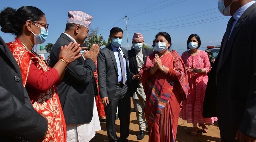 काभ्रेपलाञ्चोकमा राष्ट्रपति भण्डारी : स्थानिय जनप्रतिनिधि द्वारा स्वागत